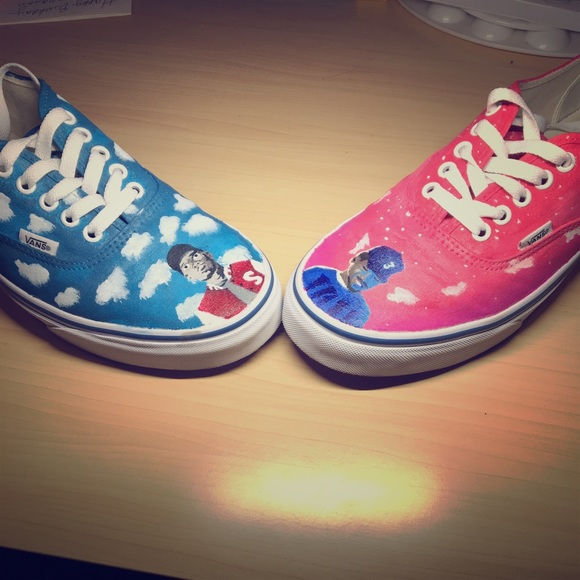 130edbb5f85713 Chance The Rapper custom painted vans. M 5b5fcfab4cdc30c5d3379c5d